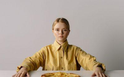 ¿Por qué no debes de tomar decisiones cuando tienes hambre?