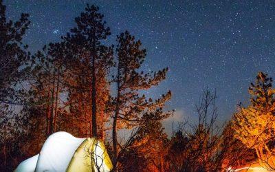 Cosmética para ir de camping: mínimos productos para disfrutar al máximo